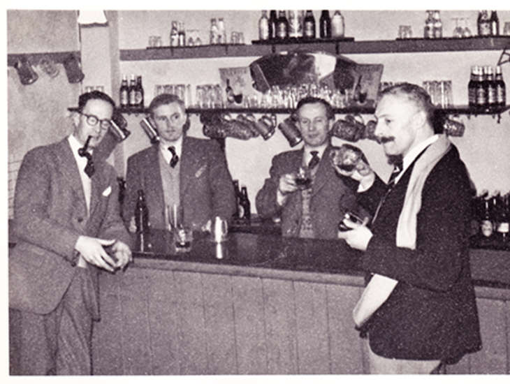 1950s - Time at the bar